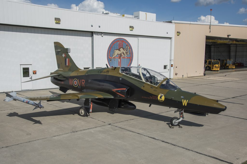 The 419 Squadron's 75th Anniversary Colour CT155 Hawk during its official unveiling at Hangar 10, 4 Wing Cold Lake, Alberta on June 2, 2016. Image by: Corporal Bryan Carter, 4 Wing Imaging, CK04-2016-0538-005