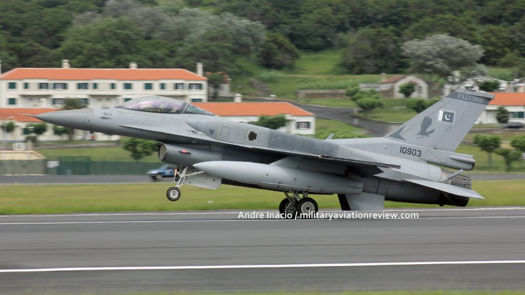 Pakistani Air Force F-16C 10903 arriving at Lajes in the Azores on 20.07.16 (Andre Inacio)