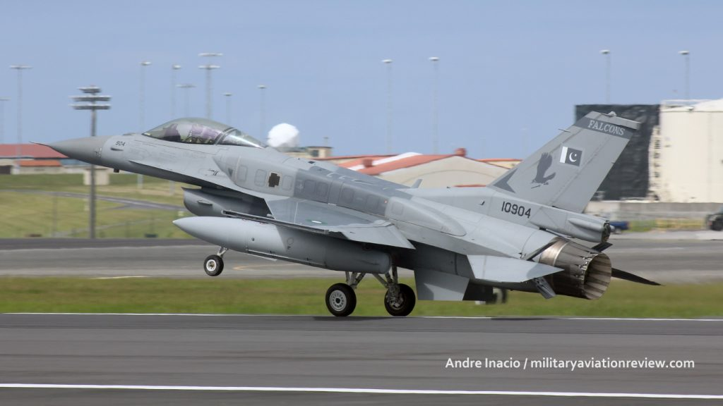 Pakistani Air Force F-16C 10904 arriving at Lajes in the Azores on 20.07.16 (Andre Inacio)