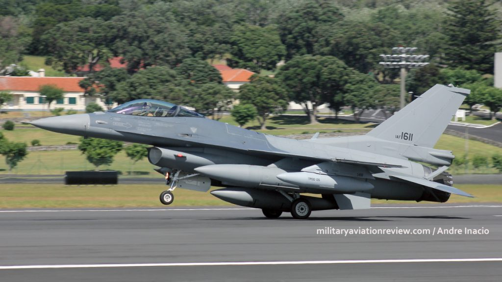 Iraqi Air Force F-16IQ 1611 arriving at Lajes on 03.08.16 (Andre Inacio)