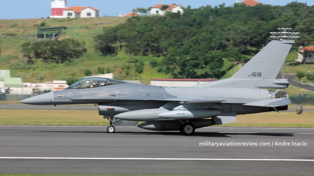 Iraqi Air Force F-16IQ 1618 arriving at Lajes on 03.08.16 (Andre Inacio)