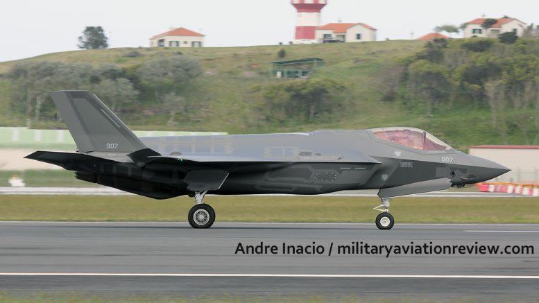 """بالفيديو.. تل أبيب تتسلم 3 مقاتلات """"F-35"""" 907-1-777x437"""